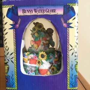 Accessories - Musical Easter bunny water globe